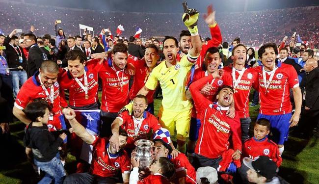 Seleção chilena celebra seu primeiro título no campeonato - Foto: Ag. Reuters