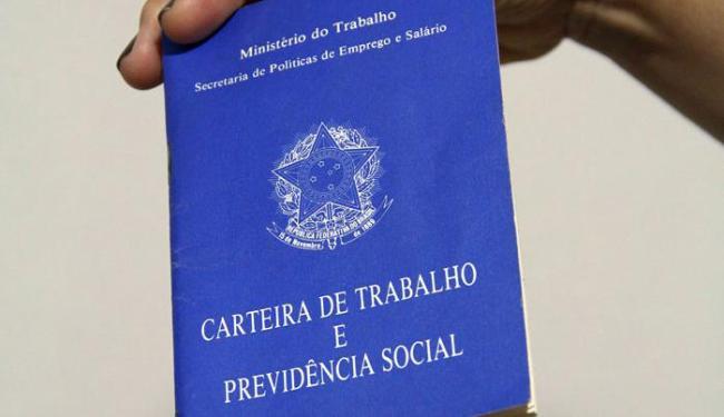 Foram fechados 240 mil postos de trabalho com carteira assinada - Foto: Joá Souza | Ag. A TARDE
