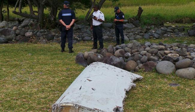 Partes de asa foram encontrados na costa da ilha francesa de La Réunion, no oceano Índico - Foto: Agência Reuters