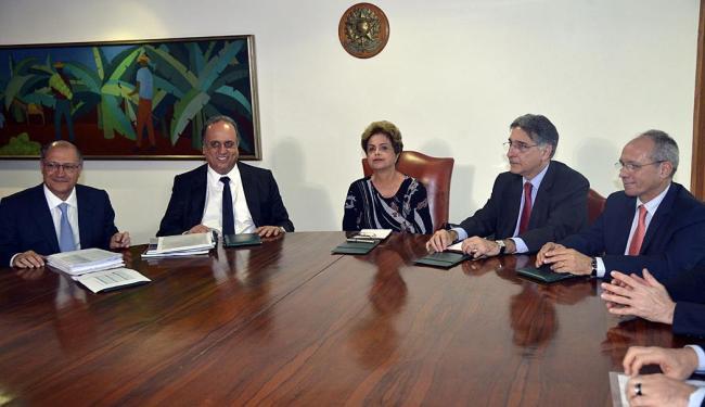 Dilma e alguns governadores durante reunião anterior - Foto: Fábio Rodrigues Pozzebom   Agência Brasil