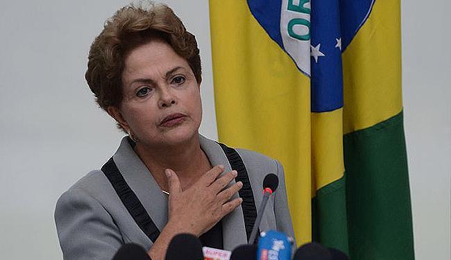 Presidente Dilma Rousseff enfrenta crise política e partidos aliados divergem sobre apoio - Foto: José Cruz l Agência Brasil