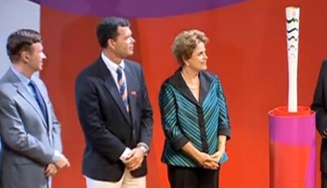 A apresentação da tocha contou com a presença da presidente Dilma e autoridades - Foto: Reprodução | TV NBR
