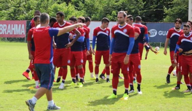 Sergio Soares comandou treino coletivo no Fazendão - Foto: Divulgação   E.C. Bahia