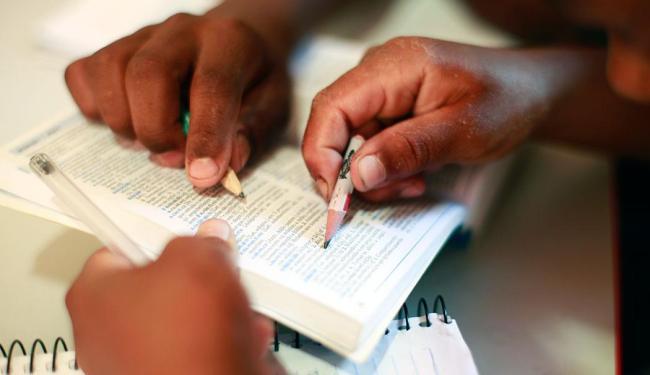 57% dos estudantes não conseguiram superar os dois primeiros níveis de aprendizado em leitura - Foto: Fernando Vivas   Ag. A TARDE   27.03.2015