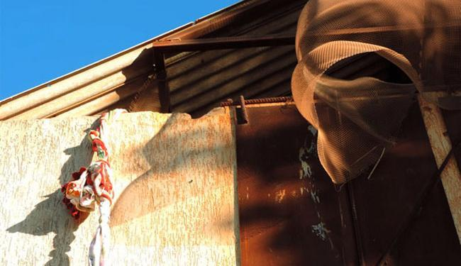 Detentos fugiram pelo teto da delegacia usando uma teresa - Foto: Blog do Sigivilares