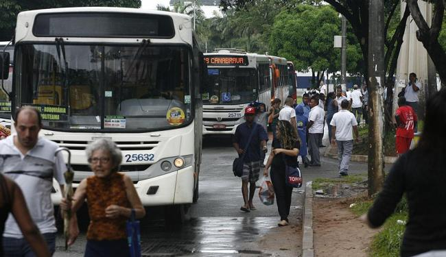 Em maio, uma parte dos rodoviários paralisou as atividades em protesto por acordo com empresas - Foto: Fernando Amorim | Ag. A TARDE | 19.05.2015