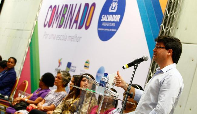 Secretário Guilherme Bellintani fala no lançamento do programa - Foto: Marco Aurélio Martins | Ag. A TARDE