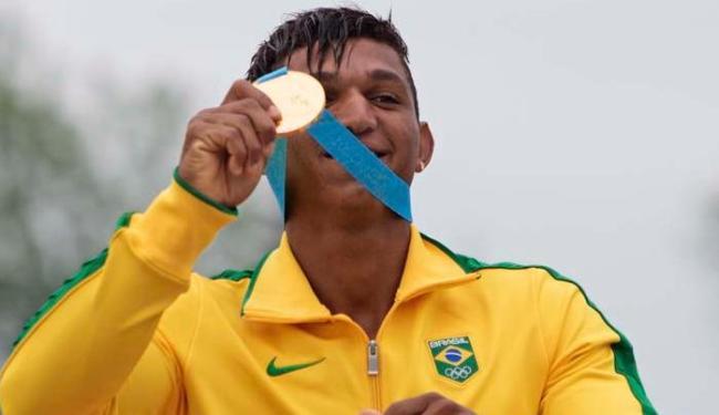 Isaquias é destaque na canoagem de velocidade e conquista duas medalhas de ouro - Foto: Aaron Lynett   Associated Press