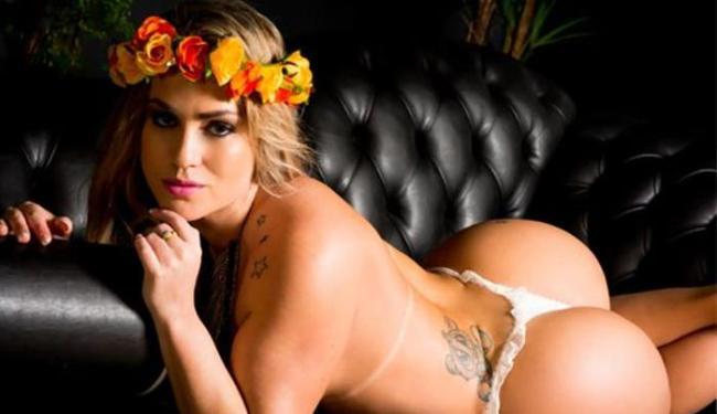 Gata mostrou como ser sexy na hora de comemorar o casório - Foto: Divulgação l Nelson Miranda