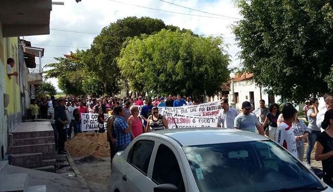 Familiares fizeram caminhada nesta quarta, após um ano da morte do ex-prefeito - Foto: Divulgação | Bahia 40 Graus