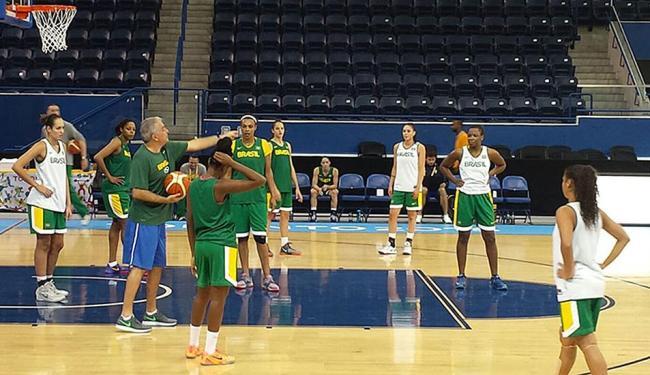 Equipe feminina treina antes da estreia no Pan de Toronto - Foto: Divulgação | CBB