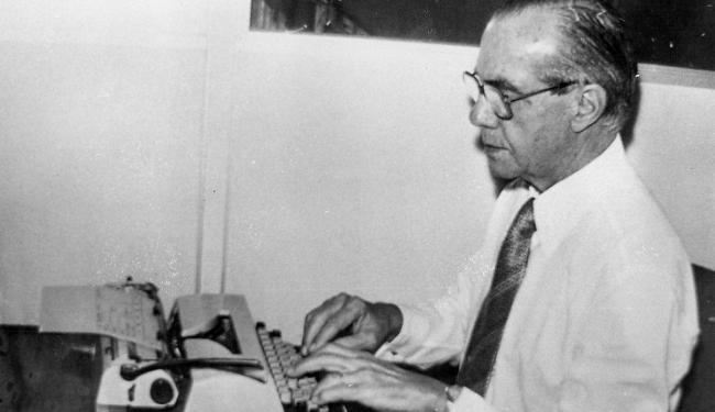 Jorge Calmon exerceu funções na política e no magistério, mas sua grande paixão foi o jornalismo - Foto: Cedoc | A TARDE