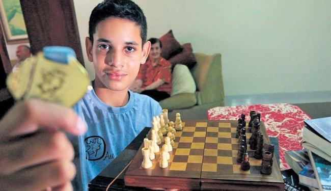 Joseph Inácio, 13 anos, é estudante do 8º ano do Colégio Militar, em Salvador, localizado na Pituba - Foto: Lúcio Távora | Ag. A TARDE