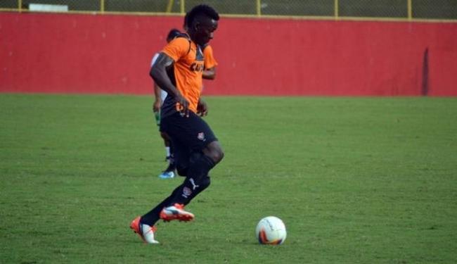 Kanu treina com o elenco do Vitória desde segunda-feira, 20, e pode estrear contra o Náutico - Foto: Divulgação | E.C. Vitória