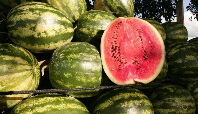 Mais de 90% da fruta é água - Foto: Joá Souza   Ag. A TARDE   04.05.2010