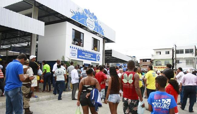 Novo mercado reúne 218 bancas - Foto: Edilson Lima | Ag. A TARDE | 03.07.2015
