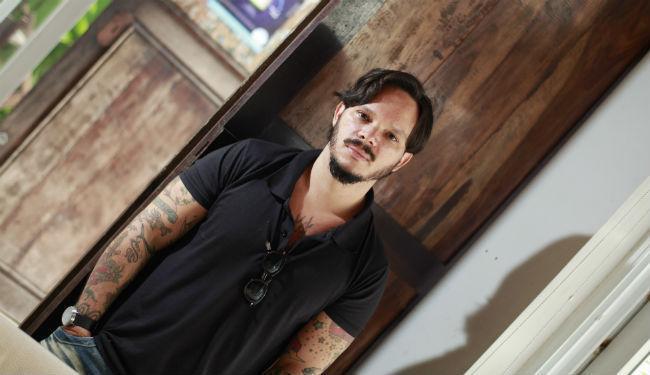 Desde 2011, o cantor e guitarrista André LR Mendes lança um álbum por ano - Foto: Fernando Vivas | Ag. A TARDE