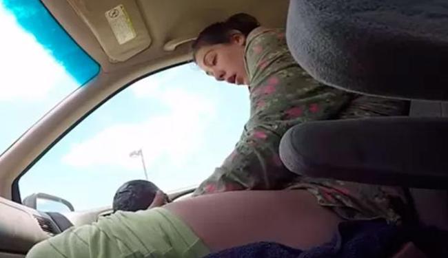 Pai filmou nascimento do filho dentro de carro - Foto: Reprodução