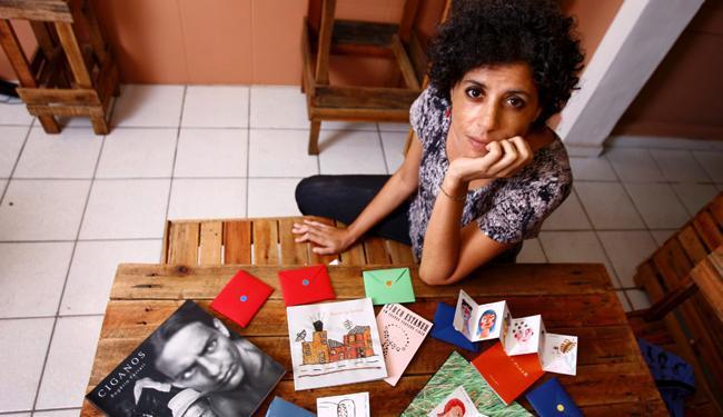 A ilustradora Flávia Bomfim criou a editora Movimento Contínuo - Foto: Fernando Vivas | Ag. A TARDE