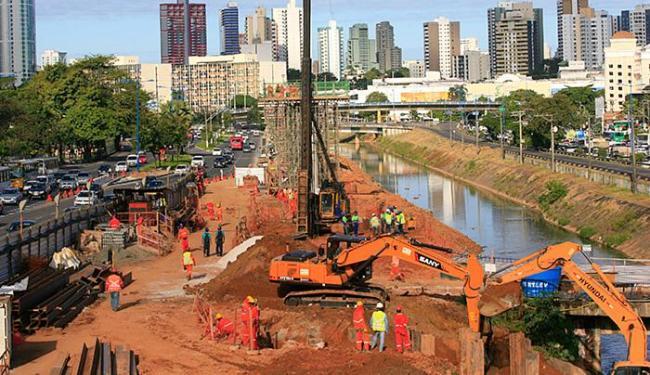 Construção da linha 2 e finalização da linha 1 do sistema interferem no trânsito - Foto: Fernando Amorim l Ag. A TARDE