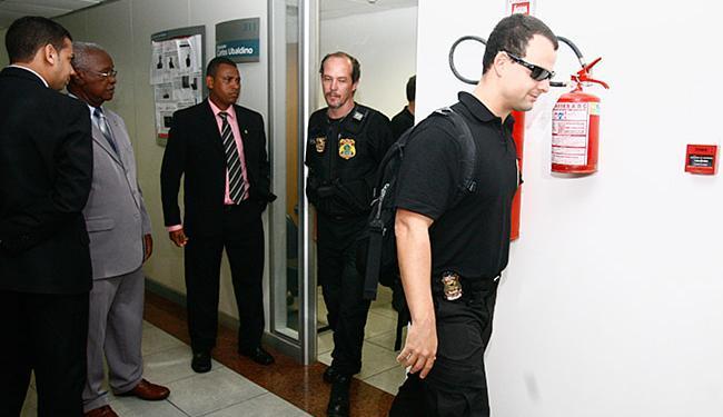 Agentes da PF fizeram um levantamento no gabinete do parlamentar - Foto: Edilson Lima l Ag. A TARDE