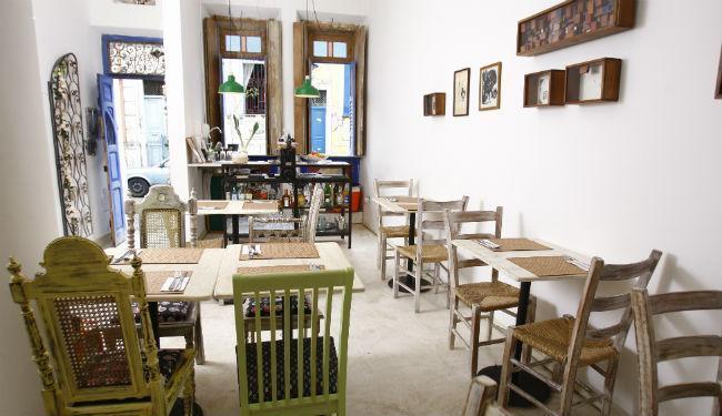 O restaurante Poró, no Santo Antônio, serve comida brasileira