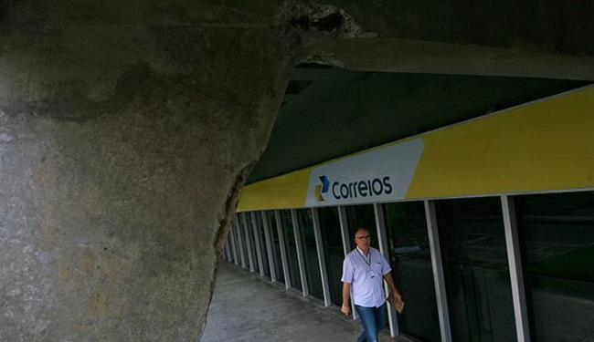 Engenheiros detectaram que o imóvel 'não possui condições de habitação e segurança' - Foto: Lúcio Távora | Ag. A TARDE