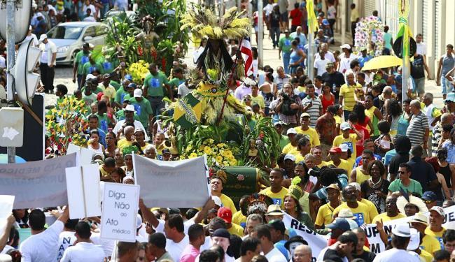 Desfile do 2 de Julho promete levar centenas de pessoas pelas ruas do centro - Foto: Fernando Vivas | Ag. A TARDE