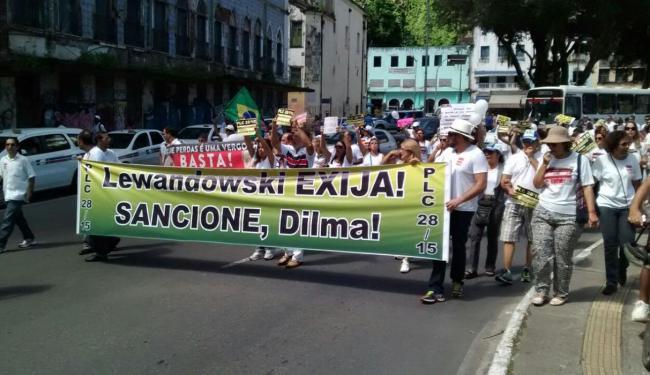 Profissionais realizaram caminhada nas proximidades do Mercado Modelo - Foto: Foto do leitor | Cidadão Repórter