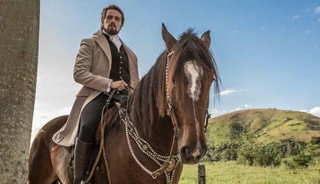 Ator monta nos próprios cavalos - Foto: Divulgação