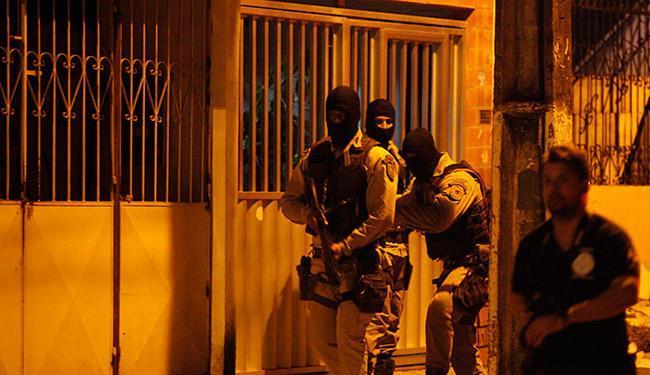 Reconstituição da operação foi realizada 27 de maio - Foto: Lúcio Távora l Ag. A TARDE l 27.05.2015