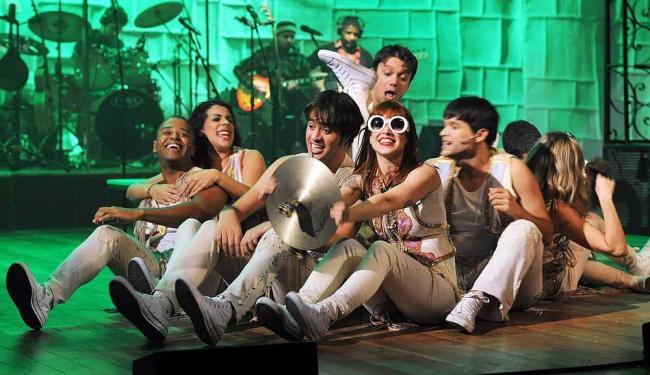 Mel Lisboa em cena do espetáculo musical - Foto: Marcos Alberti | Divulgação
