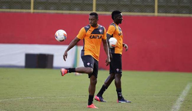 Robert (E) e Kanu serão titulares pela primeira vez - Foto: Fernando Amorim | Ag. A TARDE