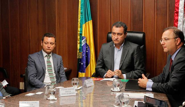 Governador Rui Costa assina memorando de entendimento com as empresas Bahiafarma, Bioimipianti e Gen - Foto: Carol Garcia | GOVBA | Divulgação