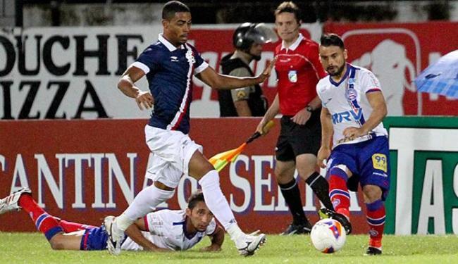Maxi precisou recuar bastante durante a partida - Foto: Marlon Costa l Futura Press l Estadão Conteúdo