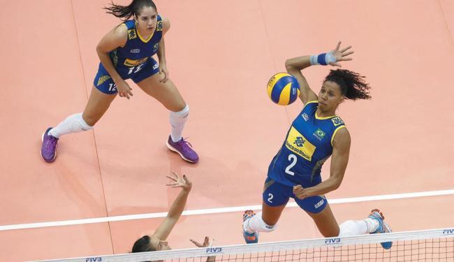 Com o resultado, as meninas do Brasil conquistam a liderança do Grupo A - Foto: Divulgação   FIVB