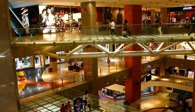 Shopping centers ficaram esvaziados após cobrança por vagas em estacionamento - Foto: Mila Cordeiro | Ag. A TARDE