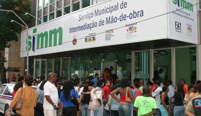 Entre as oportunidades, 50 são para cobrador - Foto: Eduardo Martins | Arquivo | Ag. A TARDE
