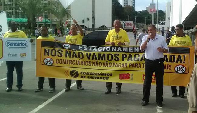 Comerciários protestam contra cobrança em estacionamento dos shoppings - Foto: Divulgação | Sindicato dos Comerciários