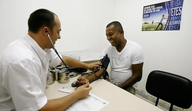 Entre as vagas disponíveis, 10 são para técnico de enfermagem de terapia intensiva - Foto: Raul Spinassé | Ag. A TARDE