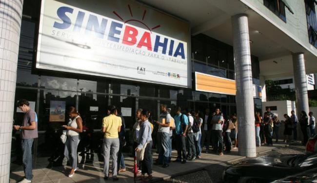 Entre as oportunidades na capital baiana, 20 vagas são para orientador de tráfego de estacionamento - Foto: Arestides Baptista   Ag. A TARDE
