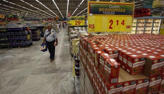 Setor de alimentos quer manter crescimento das vendas apesar da crise - Foto: Raul Spinassé | Ag. A TARDE