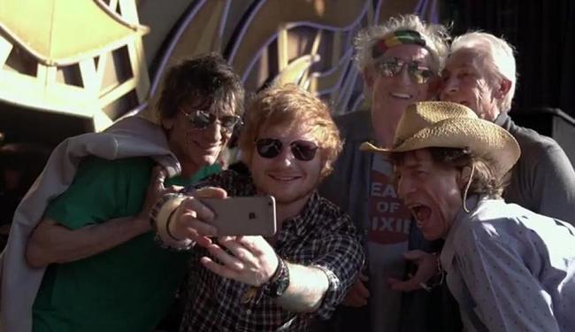 Músicos da banda fazem um selfie - Foto: Reprodução | Vídeo | The Rolling Stones