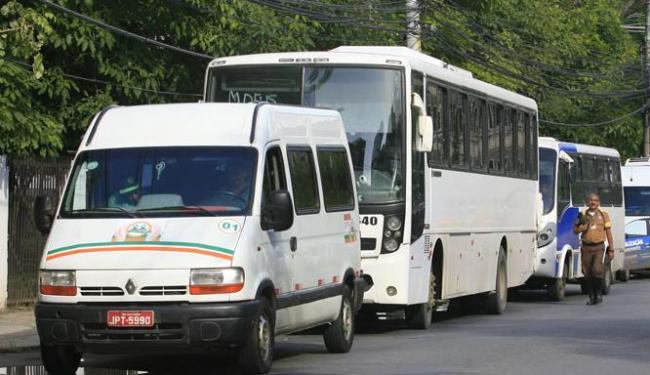 Os veículos apreendidos serão levados para sede da Transalvador, nos Barris - Foto: Edilson Lima   Ag. A TARDE