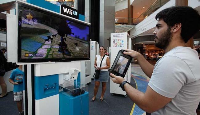 Além de conhecer os consoles, é possível jogar - Foto: Margarida Neide | Ag. A TARDE
