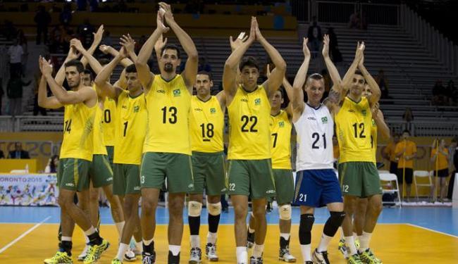 Mesmo sem os titulares e reservas da seleção, o Brasil derrotou a Colômbia por 3 sets a 0 - Foto: Rebecca Blackwell | Associated Press
