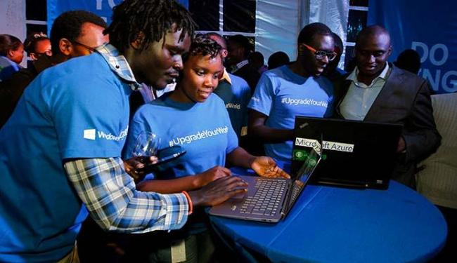 Público já conferiu o novo sistema operacional da Microsoft - Foto: Agência Reuters