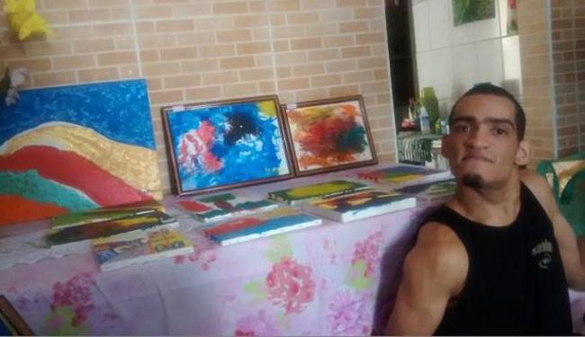 O artista vê semelhança do seu trabalho com o estilo do pintor Salvador Dali - Foto: Maíra Azevedo l Ag. A TARDE