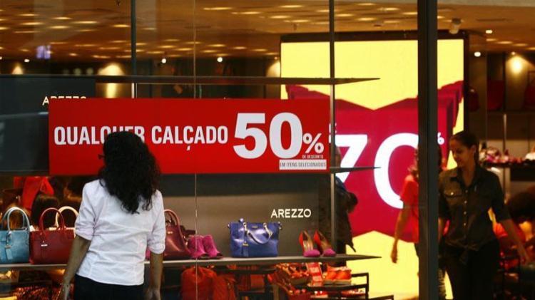 Promoção oferece desconto de até 70% - Foto: Mila Cordeiro | Ag. A TARDE | 03.07.2015