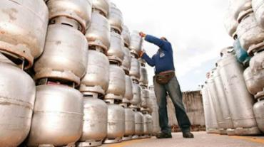 Botijão de gás aumentou 89% entre 2003 e 2016 - Foto: Joá Souza | Ag. A TARDE